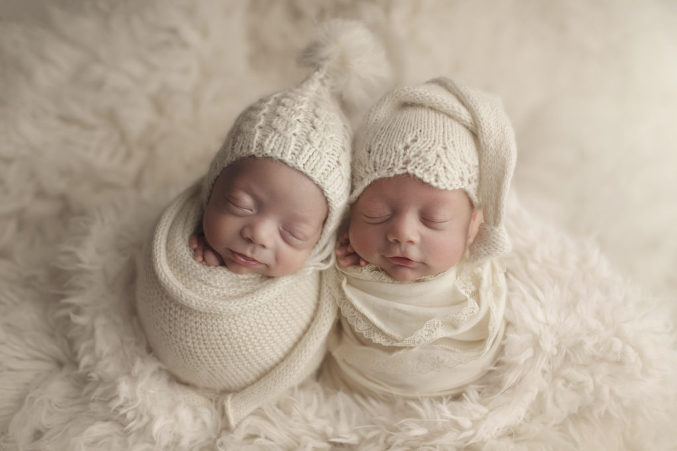 2018 annual deserving mama complete newborn session giveaway is right here